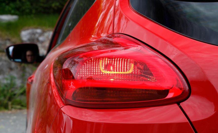 2014 Kia Cee'd GT and Pro_Cee'd GT - Slide 20
