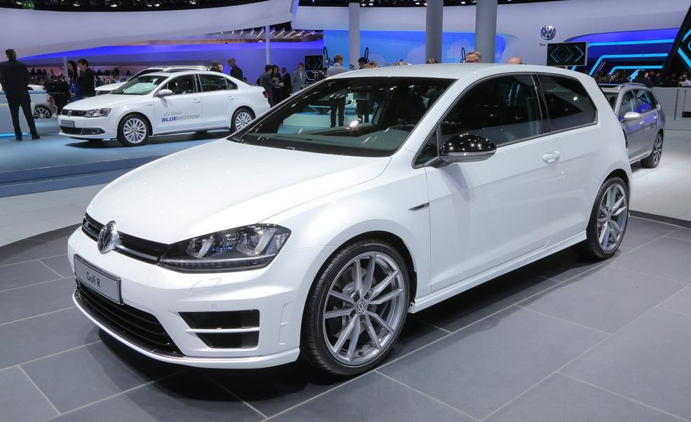 2015 Volkswagen Golf R Pictures  Photo Gallery  Car and Driver