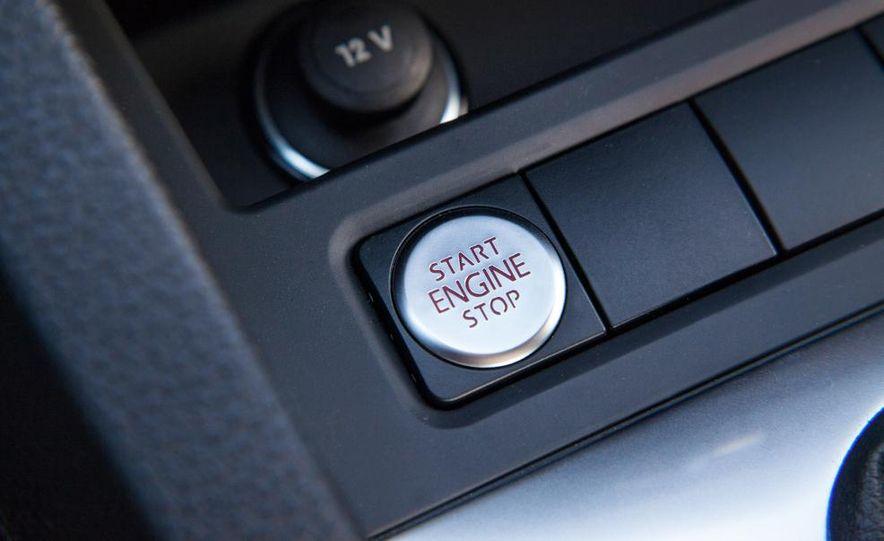 2014 Volkswagen Jetta 1.8T SE - Slide 33