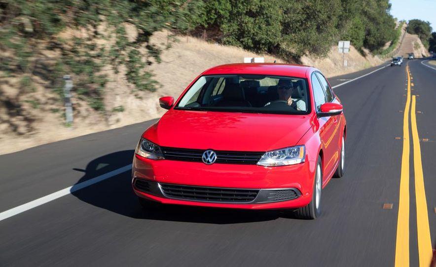 2014 Volkswagen Jetta 1.8T SE - Slide 3