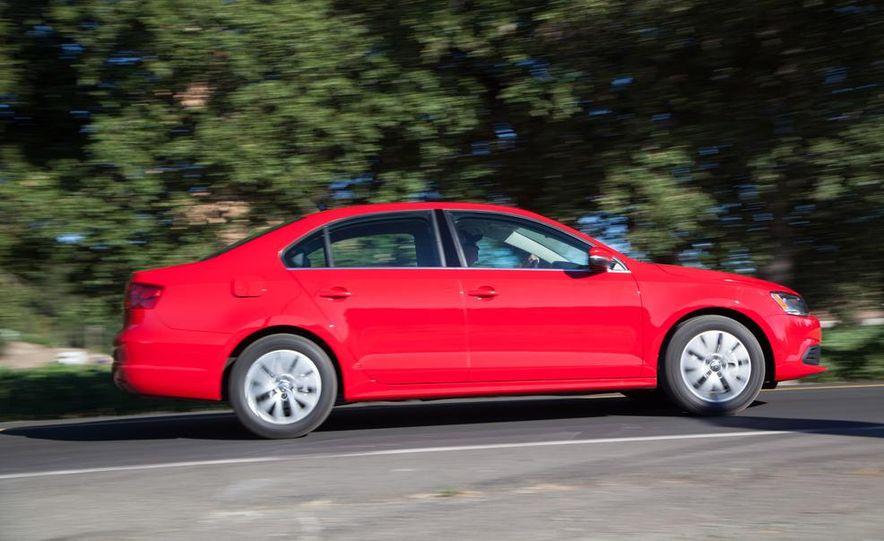 2014 Volkswagen Jetta 1.8T SE - Slide 6