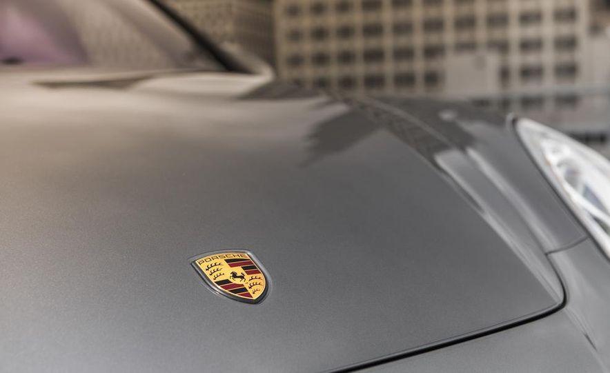 2014 Porsche Cayenne Turbo S - Slide 14