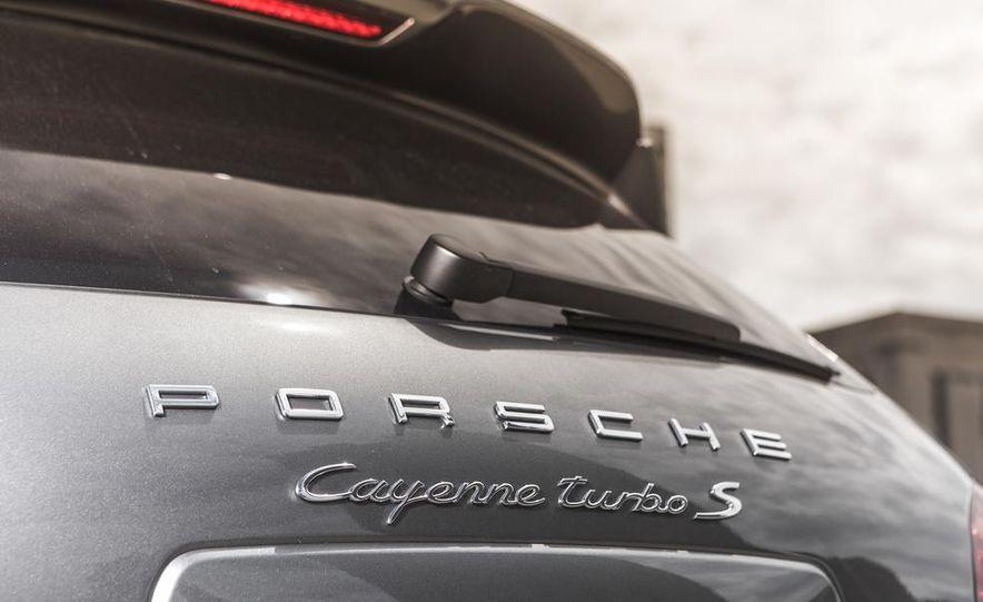 2014 Porsche Cayenne Turbo S - Slide 17