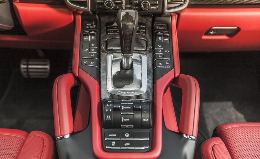 2014 Porsche Cayenne Turbo S - Slide 26