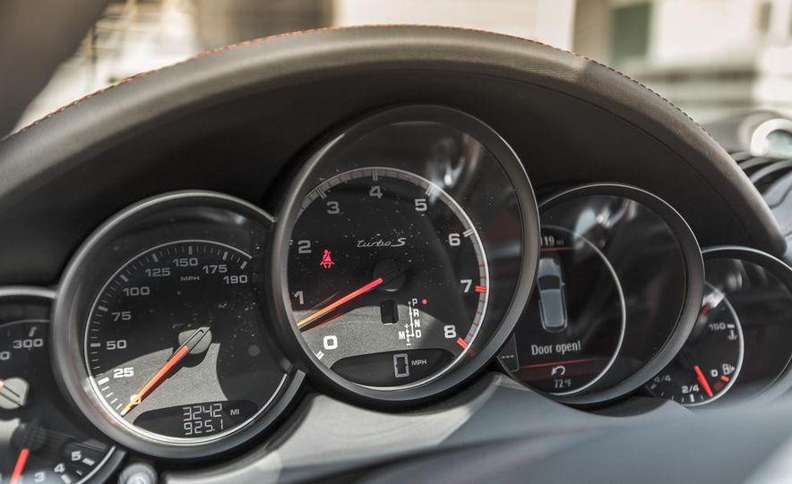 2014 Porsche Cayenne Turbo S - Slide 32