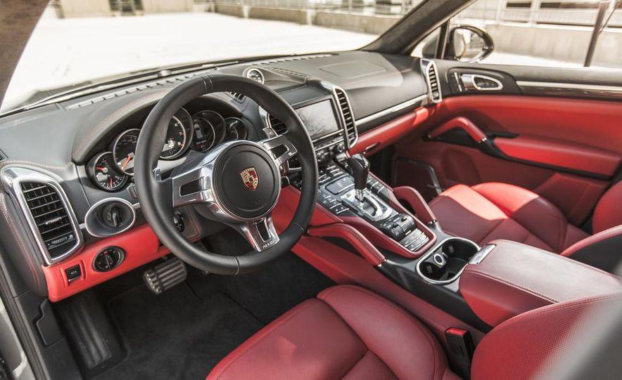 2014 Porsche Cayenne Turbo S - Slide 18