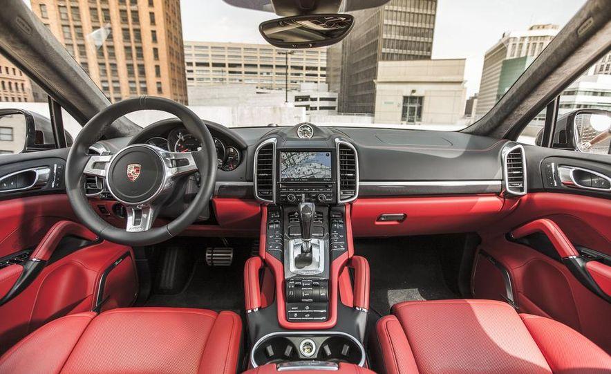 2014 Porsche Cayenne Turbo S - Slide 19