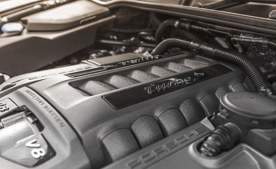 2014 Porsche Cayenne Turbo S - Slide 37