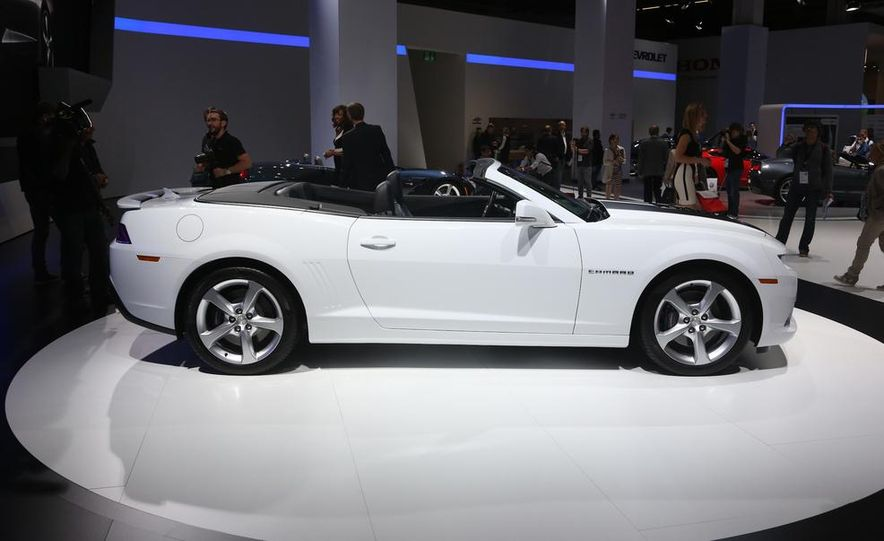 2014 Chevrolet Camaro convertible - Slide 7