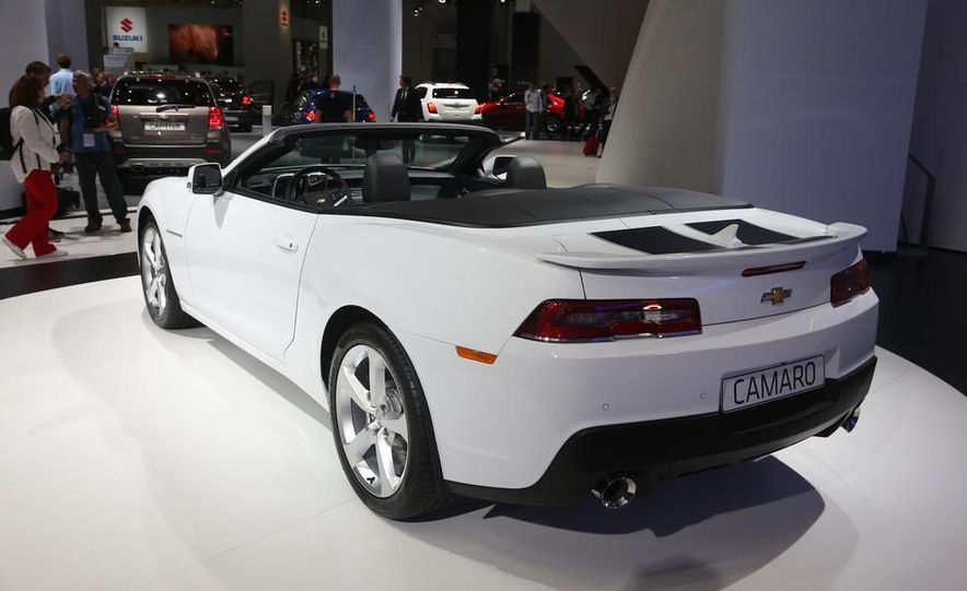 2014 Chevrolet Camaro convertible - Slide 10
