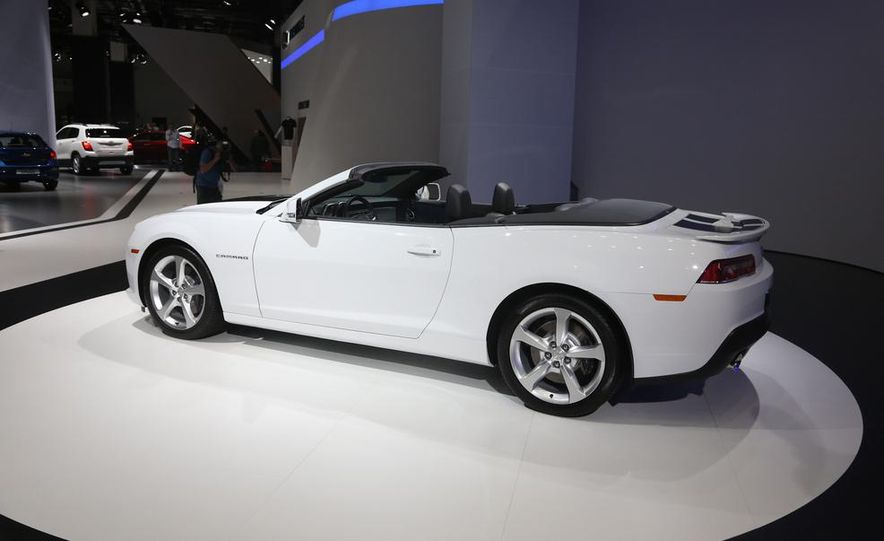 2014 Chevrolet Camaro convertible - Slide 11