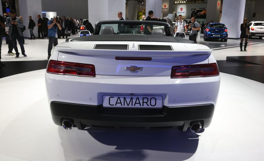 2014 Chevrolet Camaro convertible - Slide 12