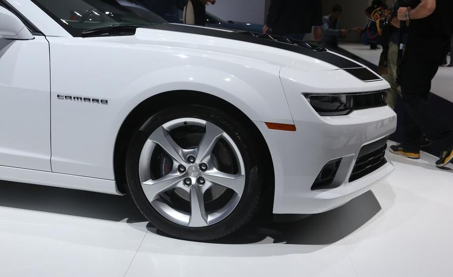 2014 Chevrolet Camaro convertible - Slide 13