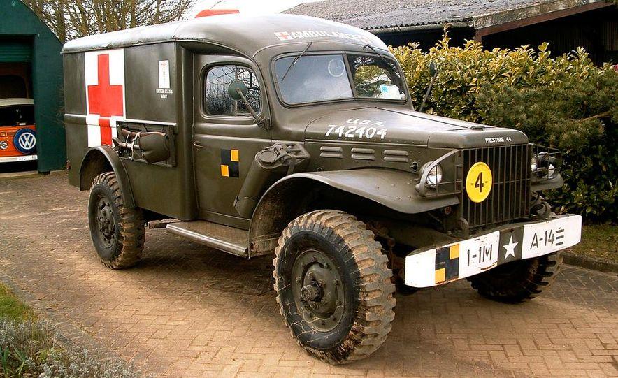 1942 U.S. Army Dodge WC-54 ambulance - Slide 1