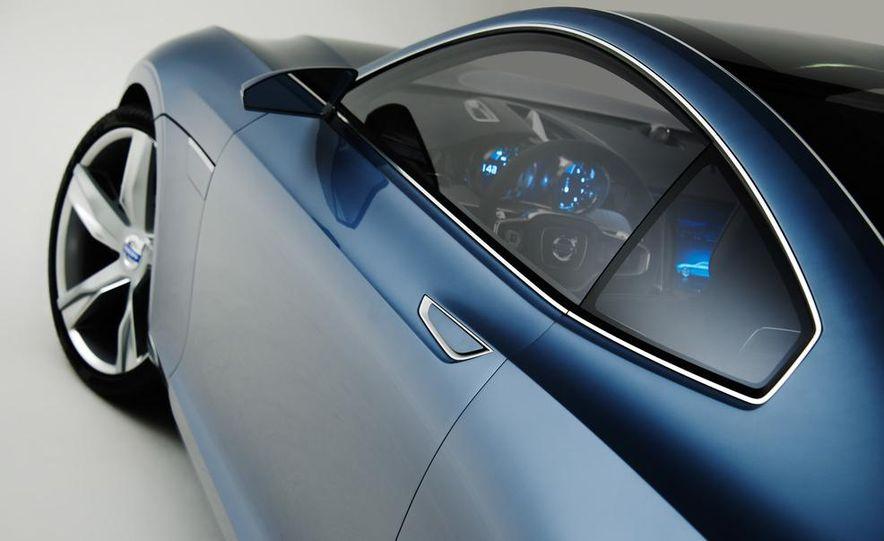 Volvo Concept Coupe - Slide 44