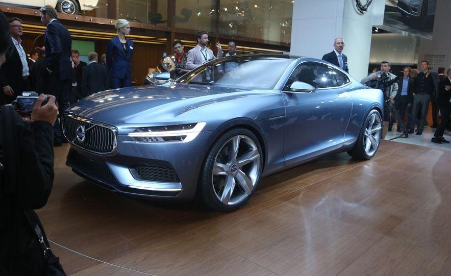 Volvo Concept Coupe - Slide 1