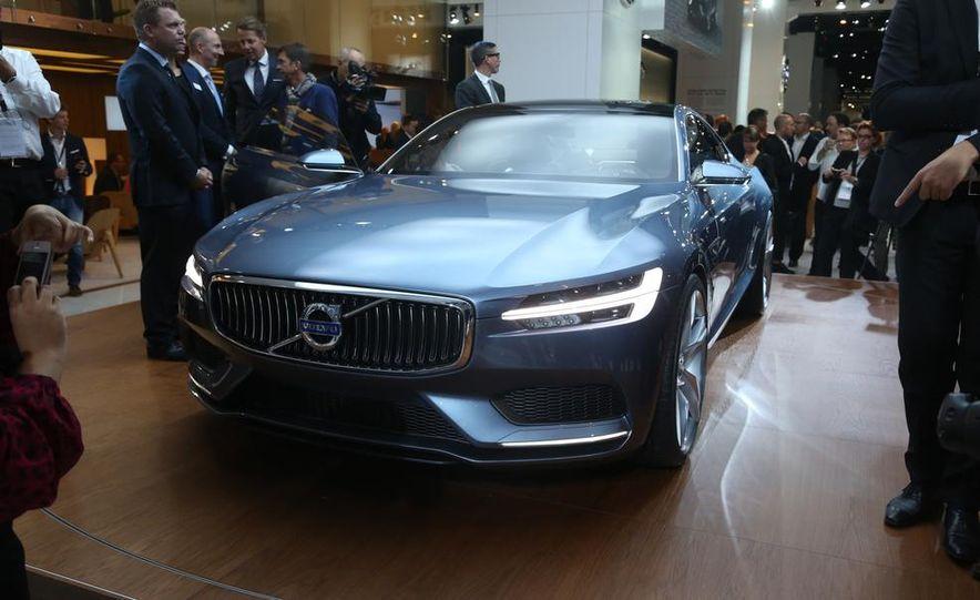 Volvo Concept Coupe - Slide 2