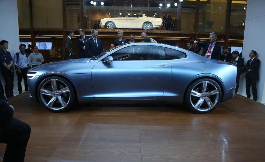 Volvo Concept Coupe - Slide 4