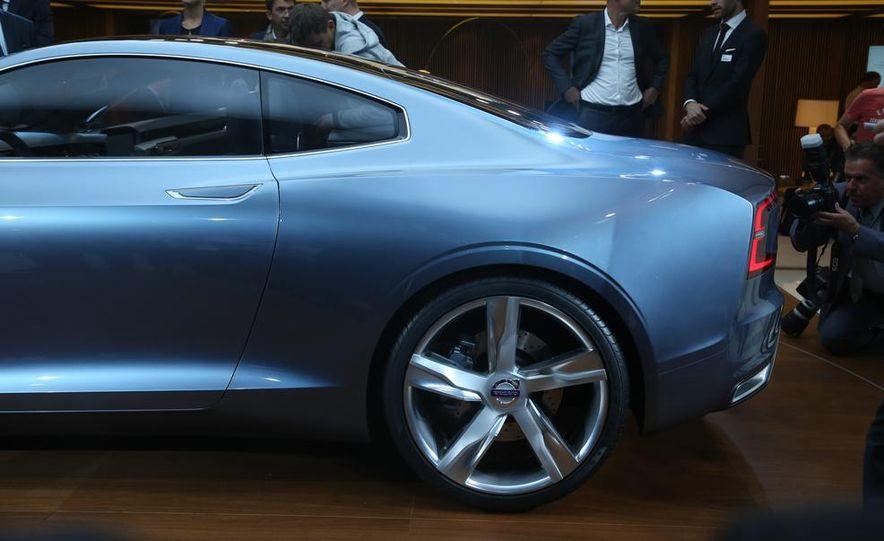 Volvo Concept Coupe - Slide 11
