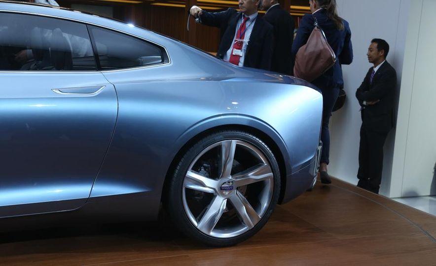 Volvo Concept Coupe - Slide 13