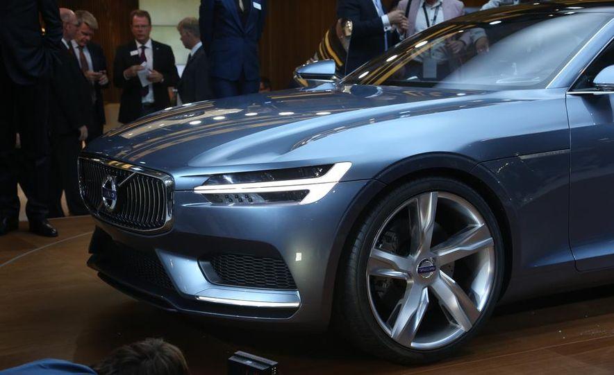 Volvo Concept Coupe - Slide 16