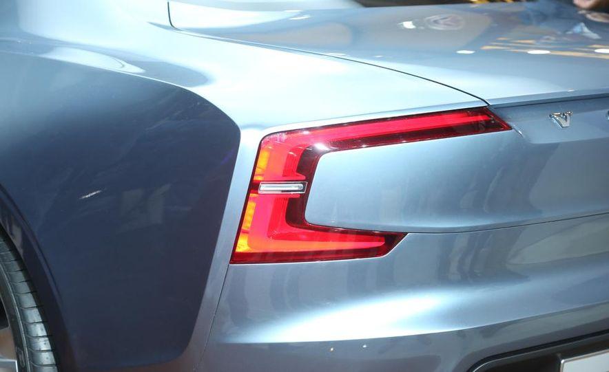 Volvo Concept Coupe - Slide 18