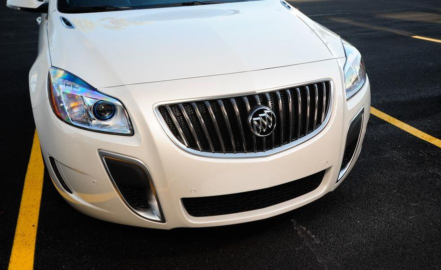 2014 Buick Regal GS - Slide 40