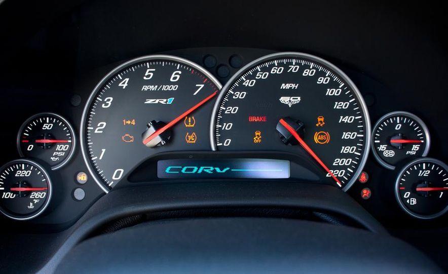C6 and 2014 (C7) Chevrolet Corvette Touring seats - Slide 61