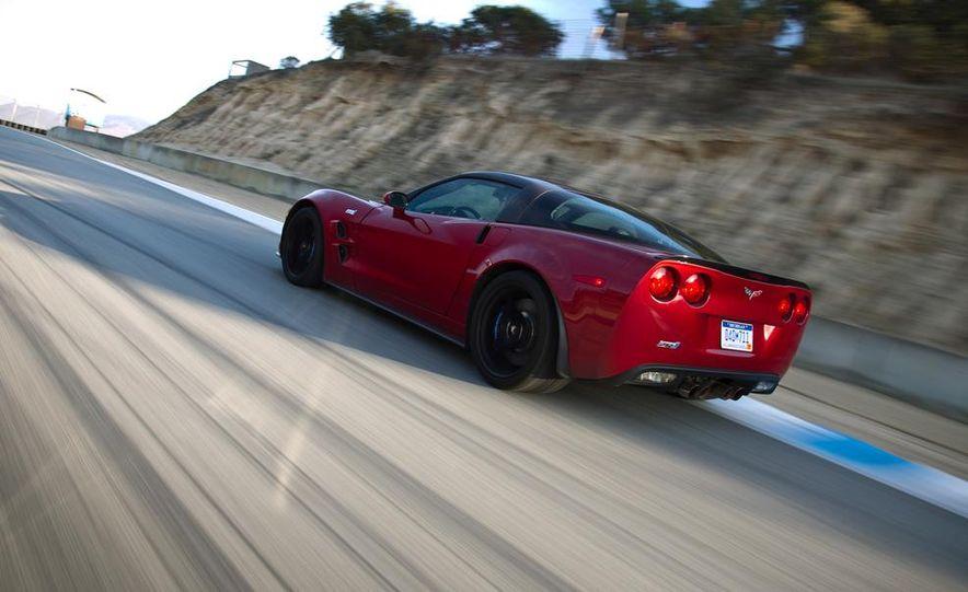 C6 and 2014 (C7) Chevrolet Corvette Touring seats - Slide 49