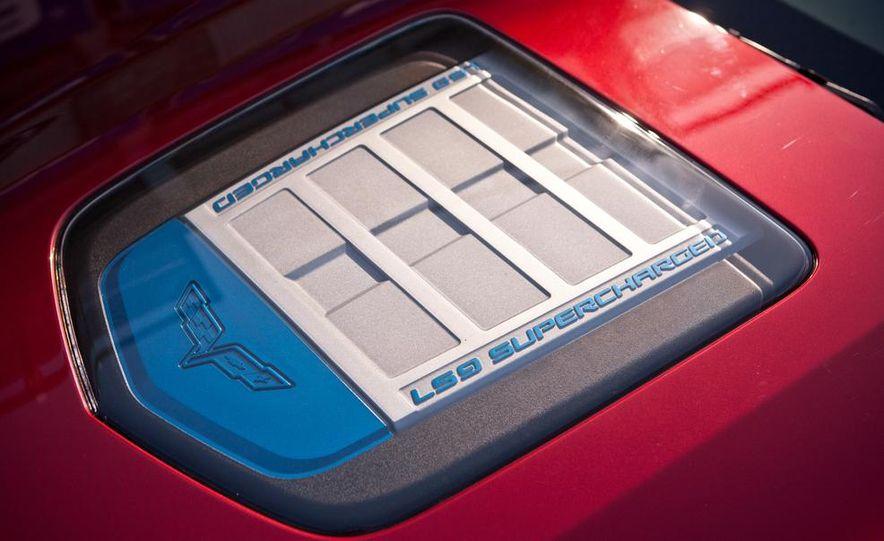 C6 and 2014 (C7) Chevrolet Corvette Touring seats - Slide 51