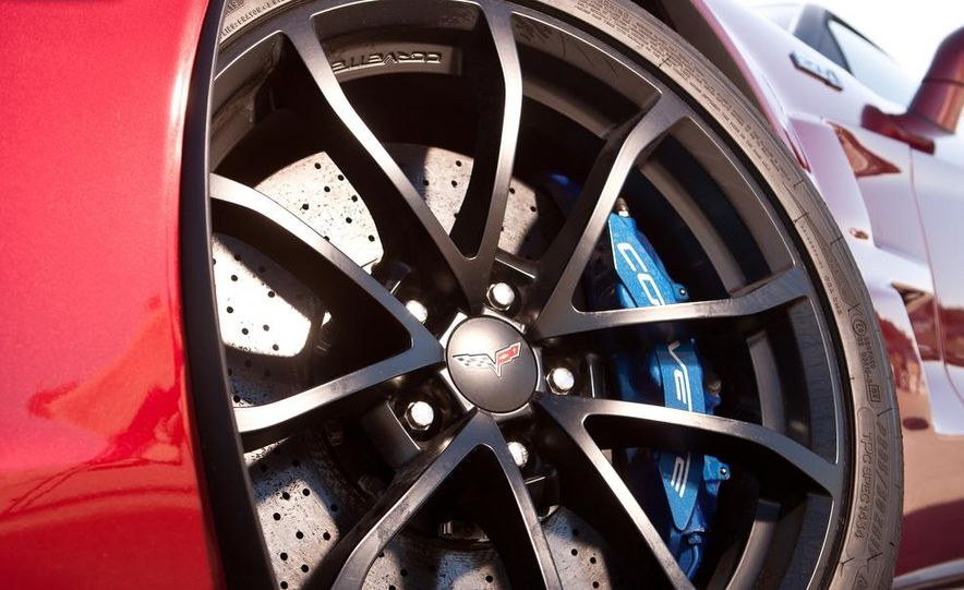 C6 and 2014 (C7) Chevrolet Corvette Touring seats - Slide 53