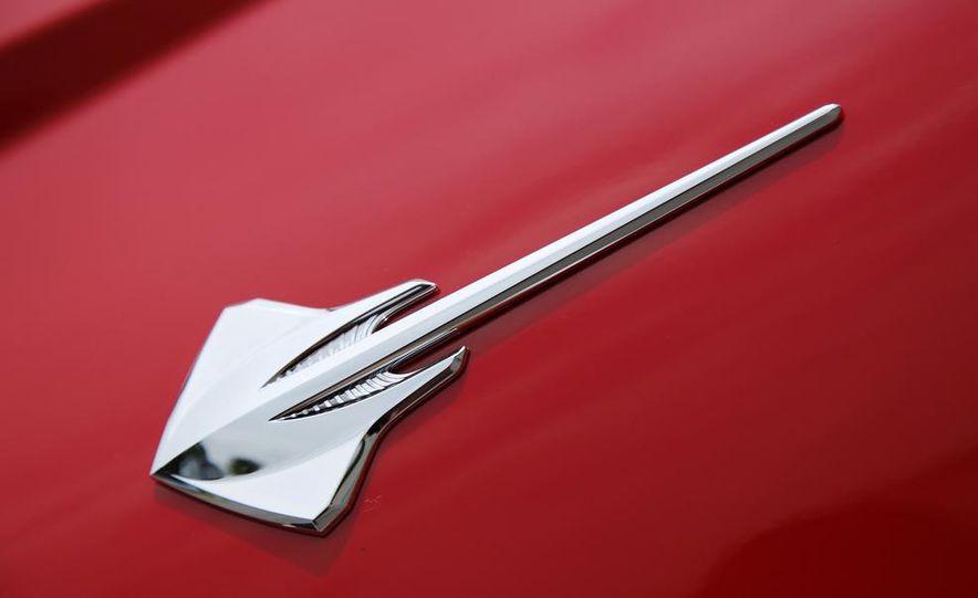C6 and 2014 (C7) Chevrolet Corvette Touring seats - Slide 14