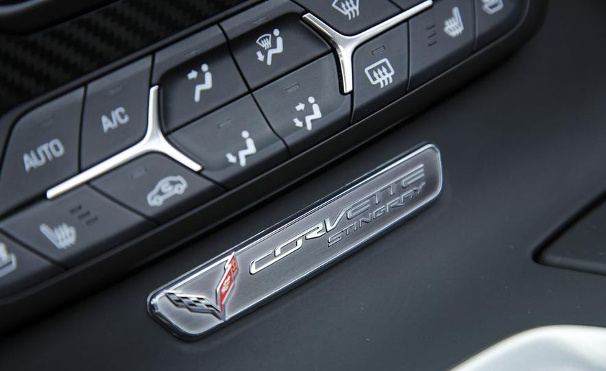 C6 and 2014 (C7) Chevrolet Corvette Touring seats - Slide 32