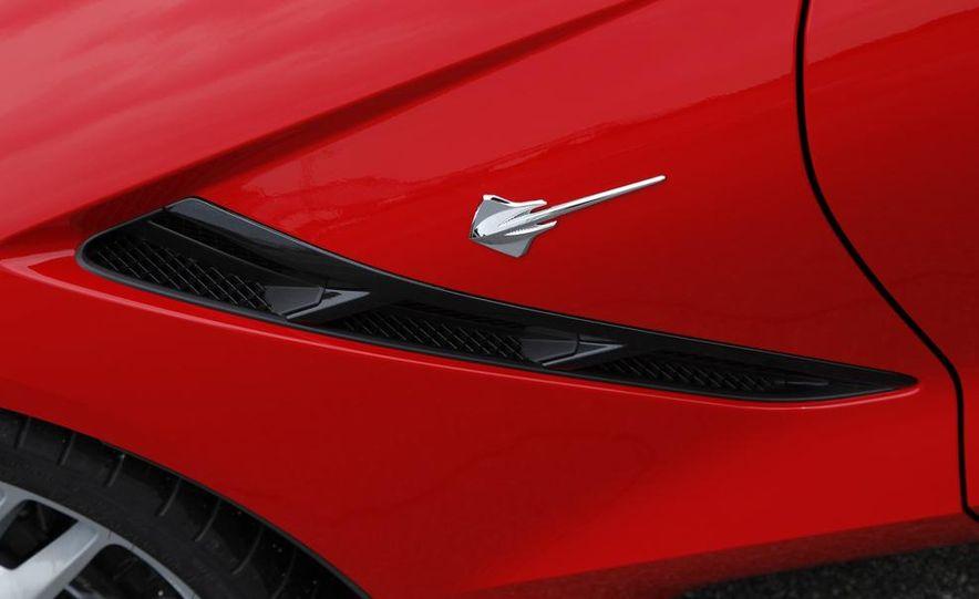 C6 and 2014 (C7) Chevrolet Corvette Touring seats - Slide 13