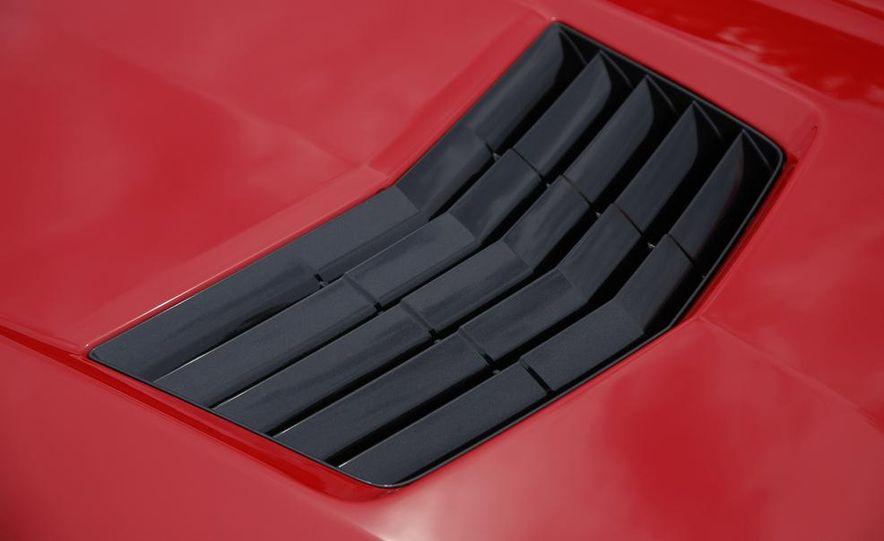 C6 and 2014 (C7) Chevrolet Corvette Touring seats - Slide 21