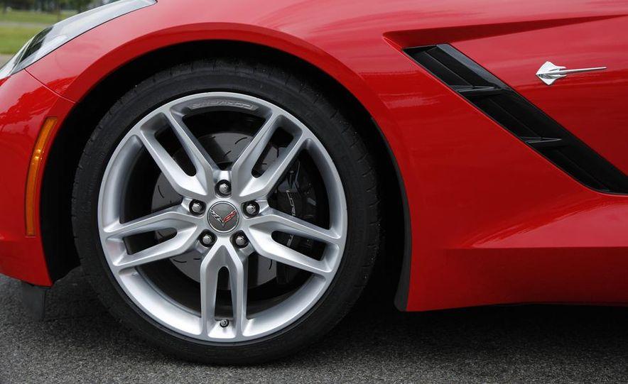 C6 and 2014 (C7) Chevrolet Corvette Touring seats - Slide 22