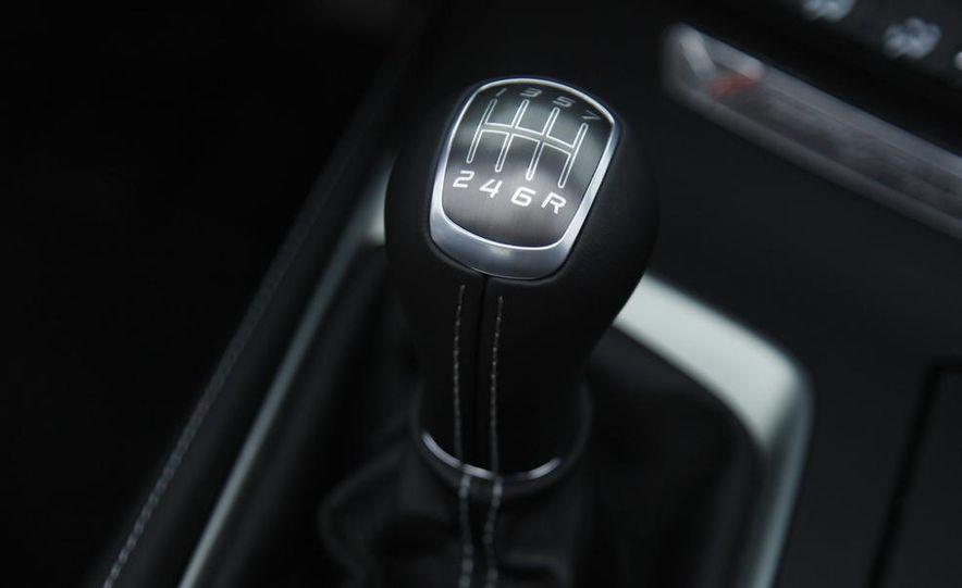 C6 and 2014 (C7) Chevrolet Corvette Touring seats - Slide 38
