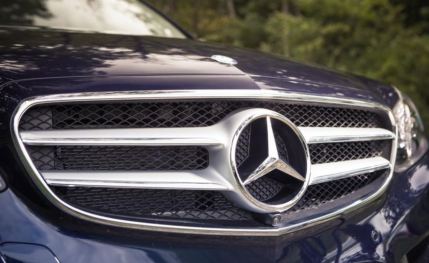 2014 Mercedes-Benz E350 sedan - Slide 3