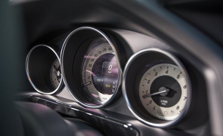 2014 Mercedes-Benz E350 sedan - Slide 19