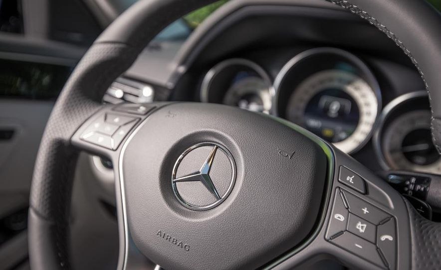 2014 Mercedes-Benz E350 sedan - Slide 18