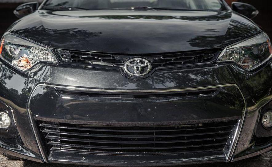 2014 Toyota Corolla S - Slide 3