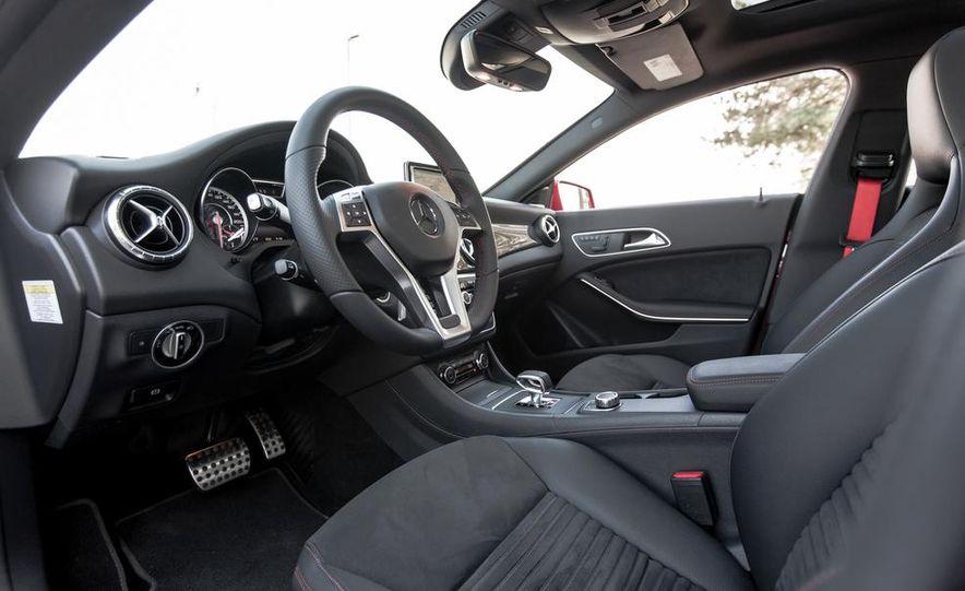 2014 Mercedes-Benz CLA45 AMG 4MATIC - Slide 17