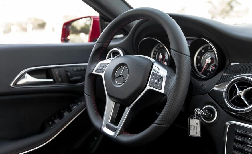 2014 Mercedes-Benz CLA45 AMG 4MATIC - Slide 26