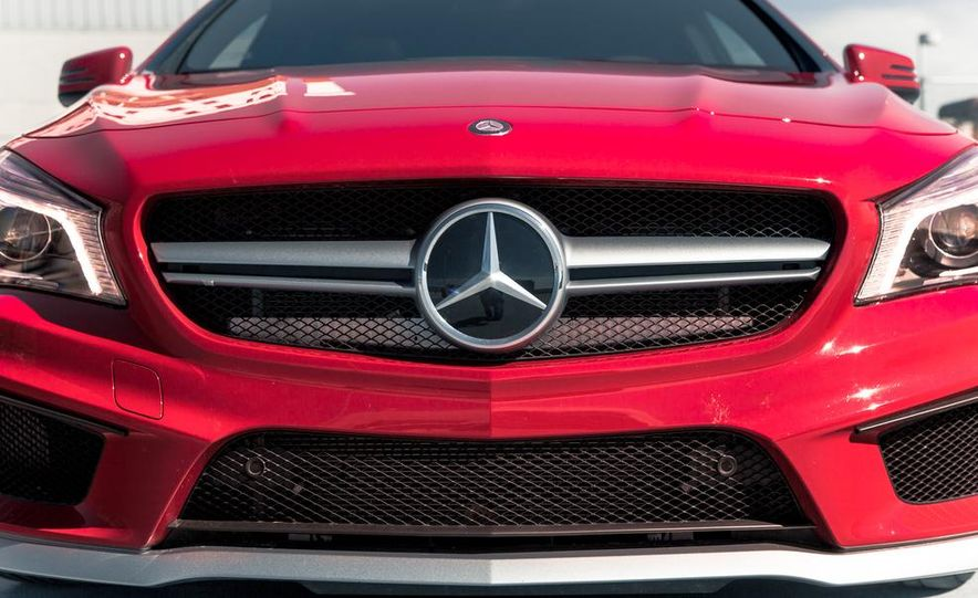 2014 Mercedes-Benz CLA45 AMG 4MATIC - Slide 9