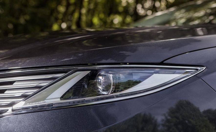 2014 Lincoln MKZ 2.0T AWD - Slide 6