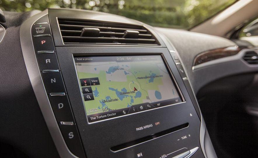 2014 Lincoln MKZ 2.0T AWD - Slide 19