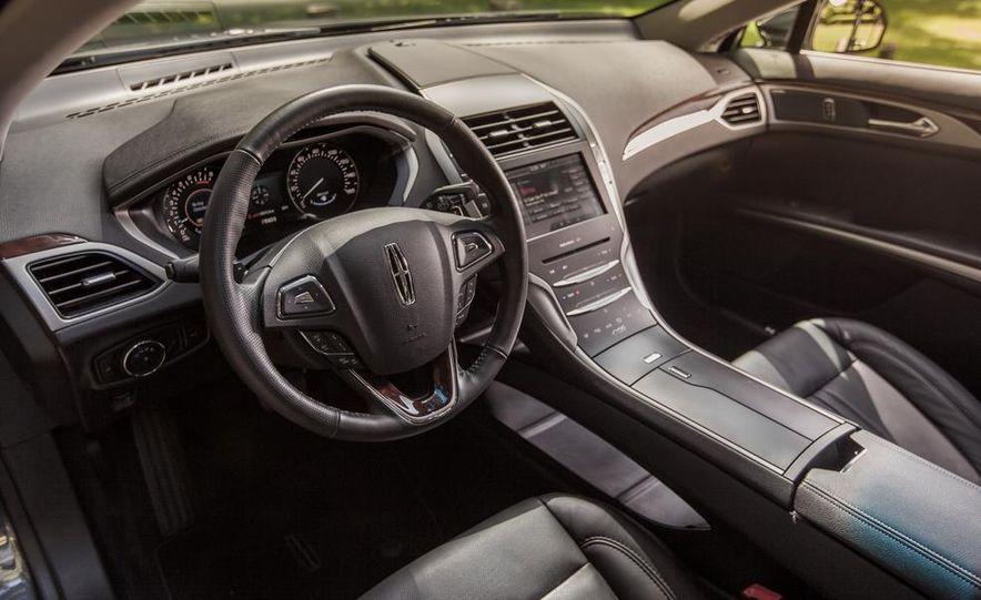 2014 Lincoln MKZ 2.0T AWD - Slide 13