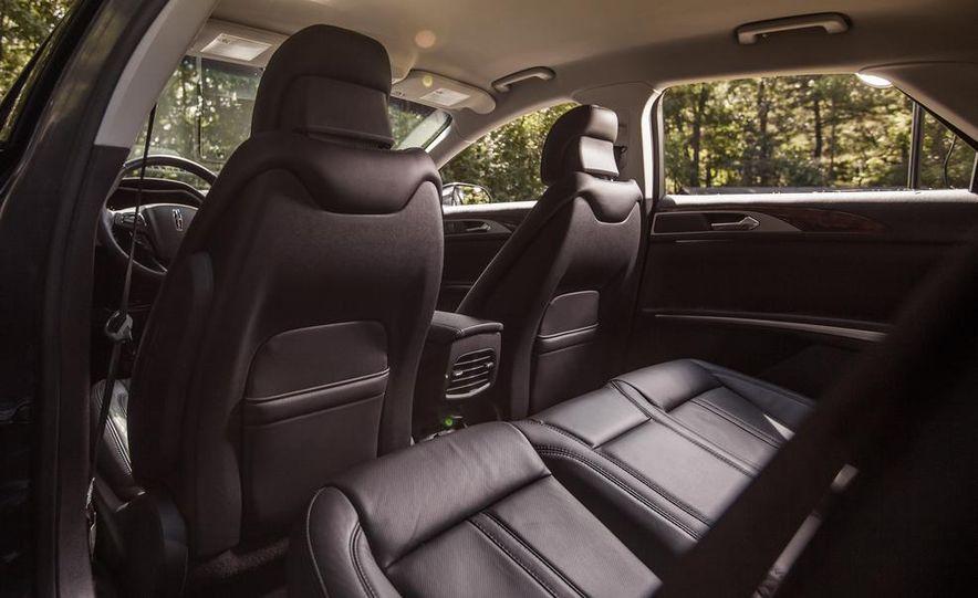 2014 Lincoln MKZ 2.0T AWD - Slide 14