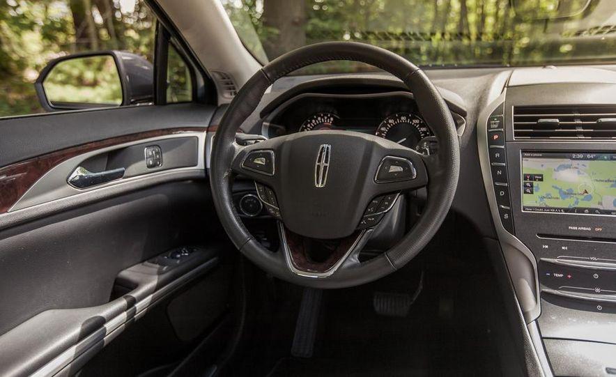 2014 Lincoln MKZ 2.0T AWD - Slide 16