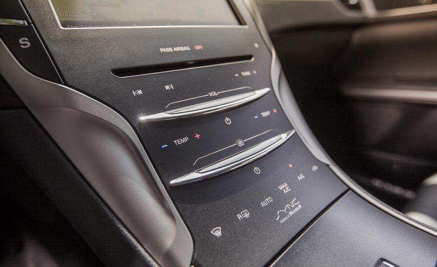2014 Lincoln MKZ 2.0T AWD - Slide 20